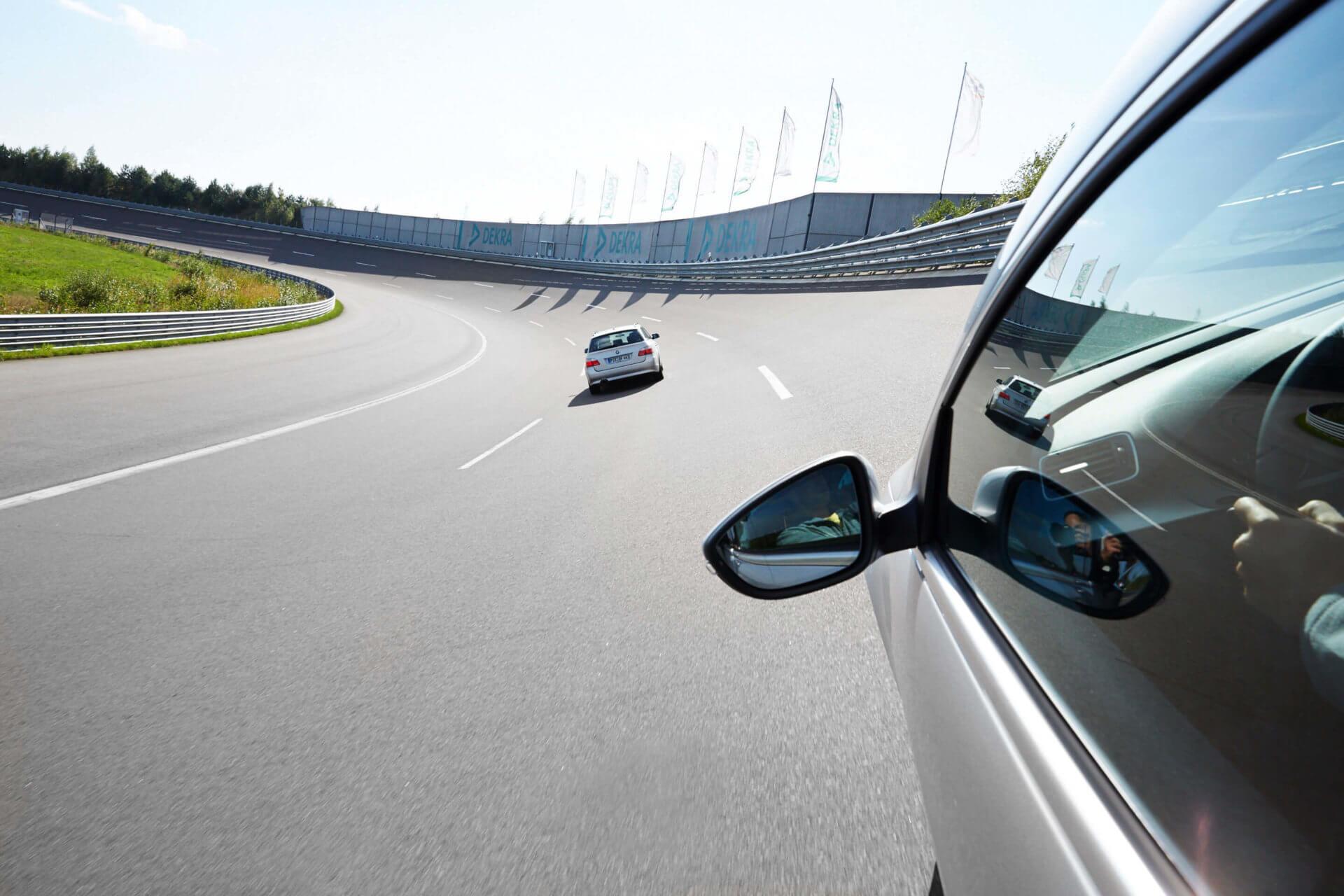 Autos auf der Rennstrecke