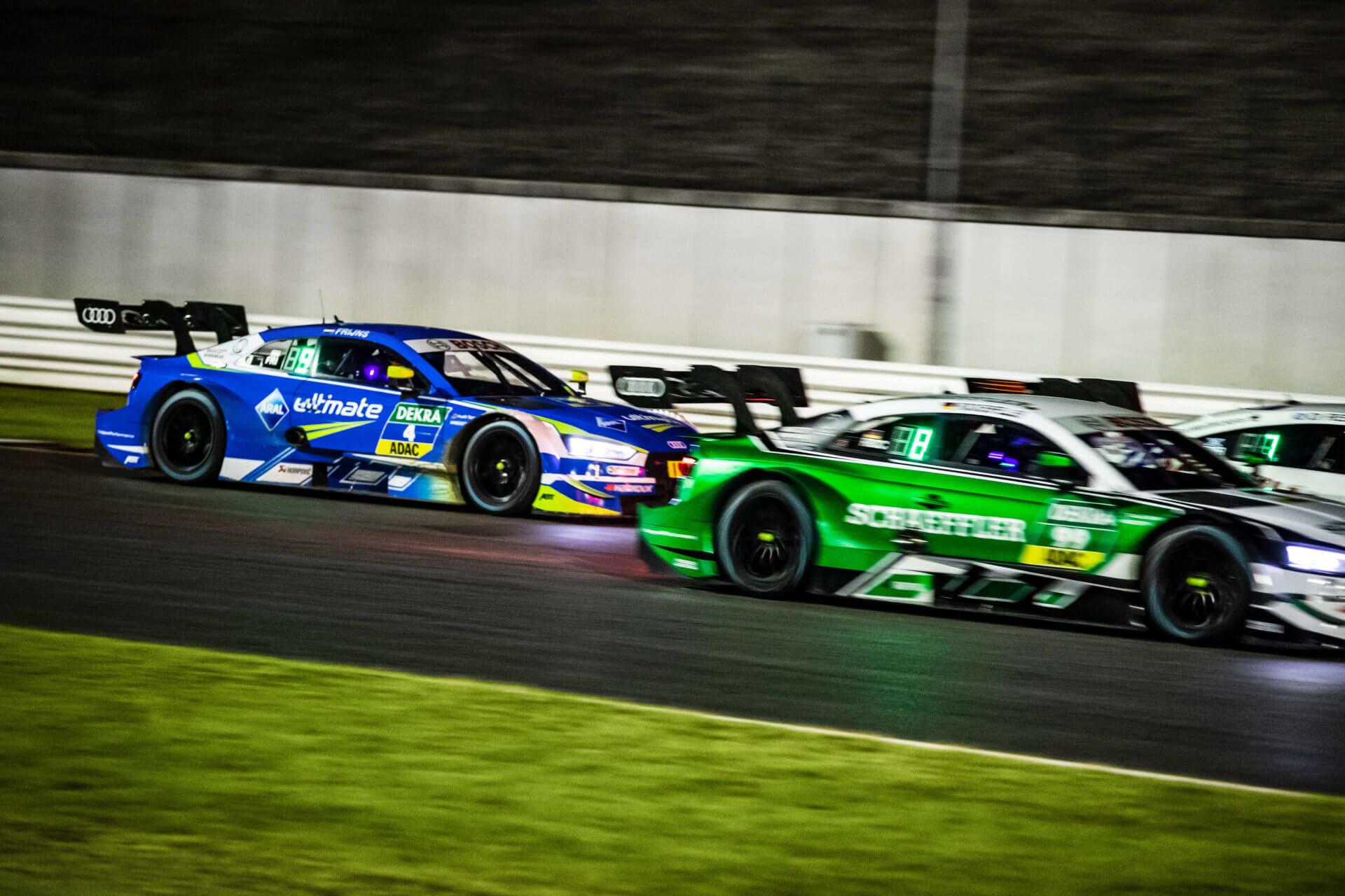 DTM Autos von der Seite